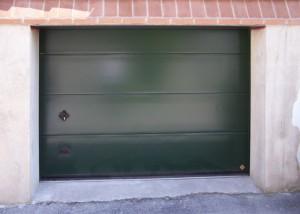 Porta sezionale verniciata verde