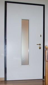 Porta blindata ad un'anta bianca con vetro blindato