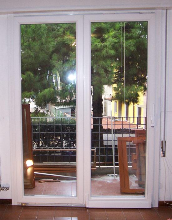 Serramenti in pvc brunello loris dal 68 costruzione e - Finestre bianche ...