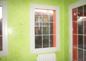 finestra-anta-in-pvc-bianco-con-inglesina-bianca-2