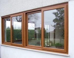 finestra-scorrevole-a-quattro-ante-in-pvc-ciliegio