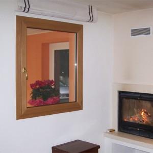 Finestra a una anta in legno alluminio