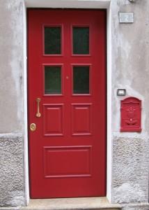 Porta blindata anta rossa con vetri blindati