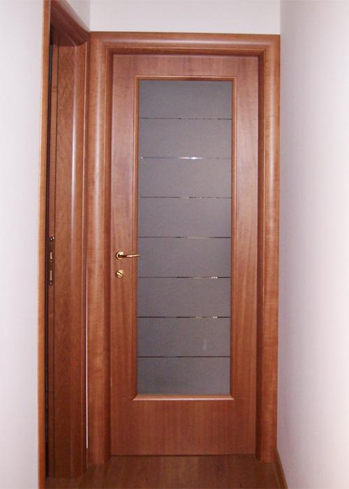 Porte in legno brunello loris 40 anni di esperienza for Porta interna bianca con vetro