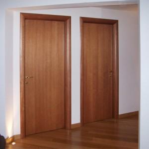Porte in Legno con cassa e cornici tonde