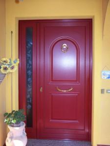 Portoncino finitura rosso frassinato con vetro decorato